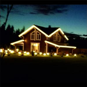 контурная подсветка дом брус